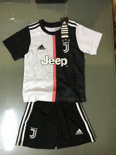 Kids Juventus home kit 2019/20