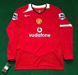Manchester United 04/06 home shirt