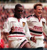 Manchester United 1997/98 Away Shirt