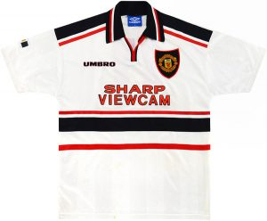 Manchester United 1997/98 Away Shirt